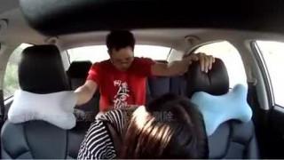 香港情侶在車上車震 還不忘用行車紀錄器來自拍