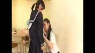 【激シコエロ動画】クンニ-超高身長女教師の超低身長な生徒とのれずクンニがスゴすぎる!!