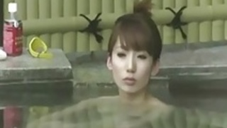 隠しカム温泉 - 美人ビジンは日本で入浴する
