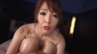 巨乳の巨乳アジア