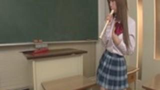 鈴香音色 おっぱいを責められパンツにしみをつける巨乳女子校生。ぷにぷにまんこに生はめセックス