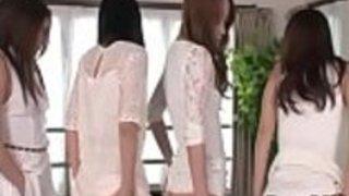 純粋なレズビアンの冗談セッション中の宮山葵