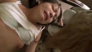 【あべみかこ中出し】美女なエロい貧乳の美人娘の、あべみかこの中出し正常位騎乗位輪姦セックスフェラバックプレイエロ動画。