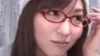 【麻倉憂】赤眼鏡の女子大生が、MM号で外の目線を気にしながら中出しSEX