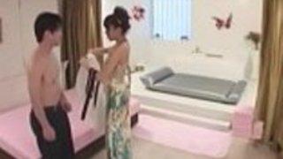 日本の熟練した十代の信じられないほどのマッサージのセックス - もっとElitejavhd.comで