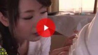 【熟女】三浦恵理子 息子のボッキちんぽにローリングフェラでフェラ抜きしちゃうスケベママ