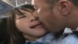 【佳苗るか痴漢】スケベな女子高生の、佳苗るかの痴漢プレイエロ動画!!